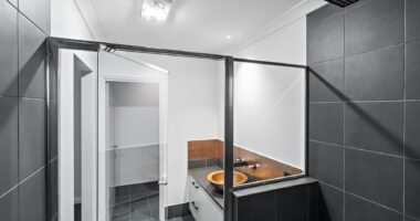 The 'Glenfield' Ensuite